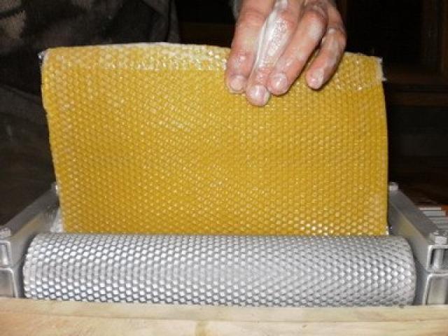 Продаю: Оборудование для пчеловодов Вальцы
